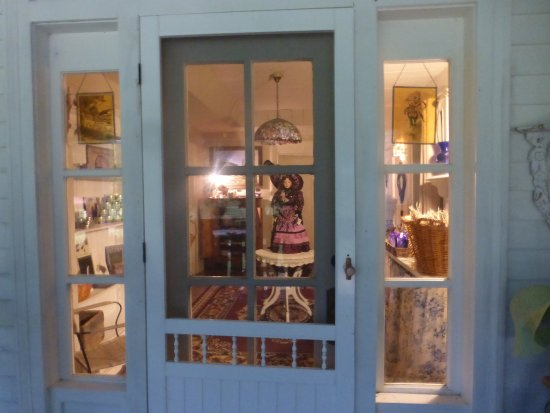 Mulberry, TN: Come shop in the Farm Store and stock up on lavender