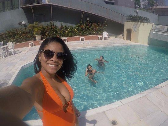 Turrance Green Hotel: O lugar onde passamos mais tempo. Foi na areá da piscina
