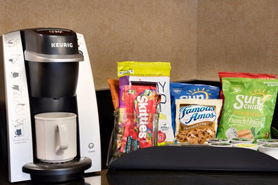 Homewood Suites by Hilton Grand Rapids: Premium Guest Room Amenities