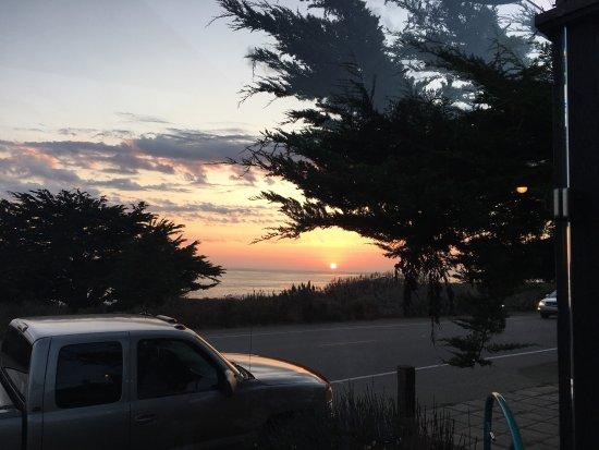 Moonstone Beach Bar & Grill : photo0.jpg
