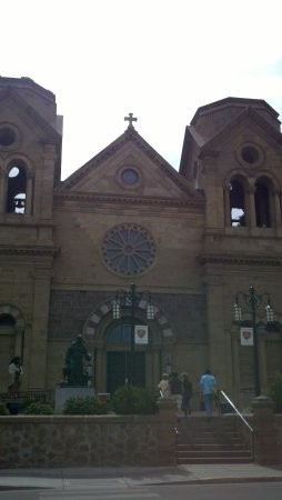 Santa Fe, NM: Facing the Entrance