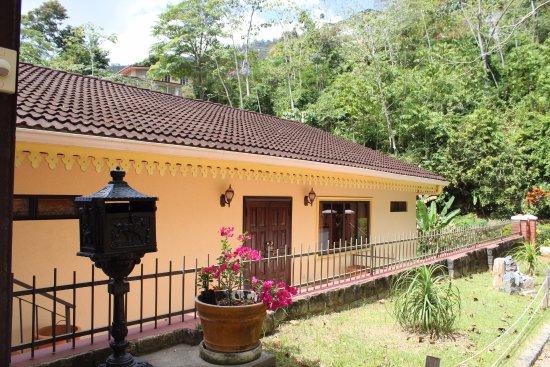 La belle maison b b reviews price comparison valley for Ashoka ala maison price