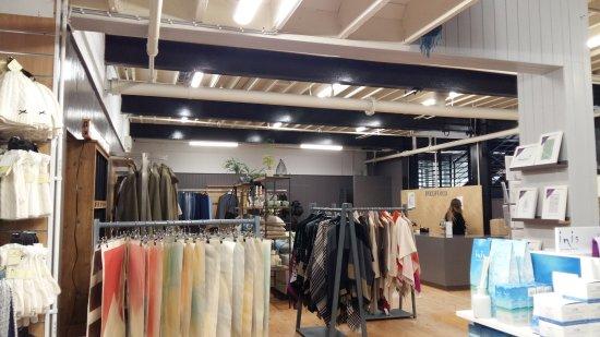 Foxford, ไอร์แลนด์: Une petite partie du magasin