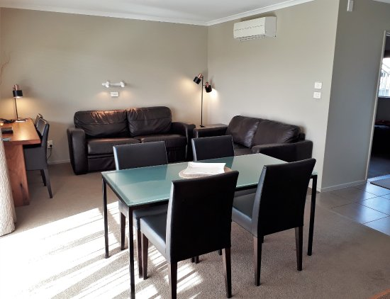 Takaka, New Zealand: Lounge in Two Bedroom Apartment