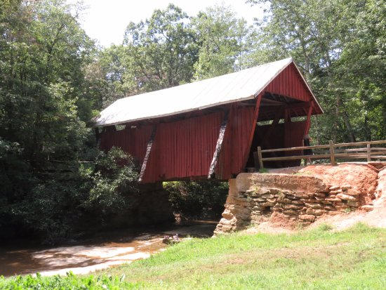 Landrum, SC: Quaint covered bridge (and only one in SC)