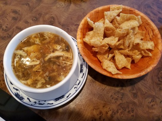 Atenas, GA: Hot and Sour Soup with Fried Wonton Strips