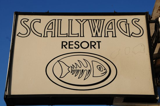 Scallywags Seafood Bar & Grill: The sign