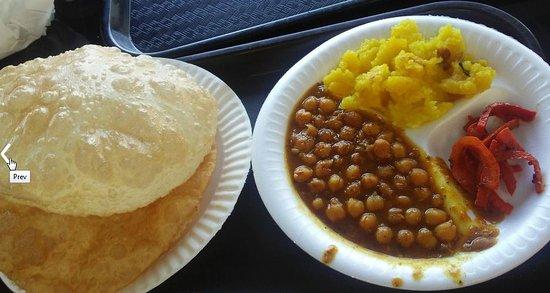 Artesia, CA: Poori Chana Halwa Achar (pickled carrtos)