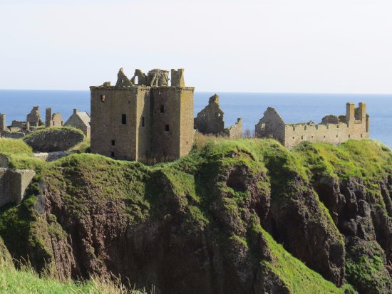 Stonehaven, UK: The castle from the start of the walk.