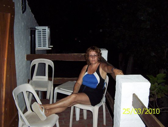 Claromeco, Argentina: 1º piso, con balcon, aire acondicionado, y de noches plasenteras..