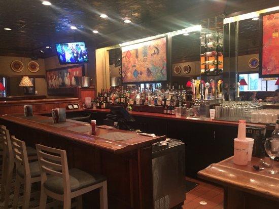 Roseville, MN: Bar area