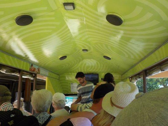 Denarau Island, فيجي: On the Bula Bus