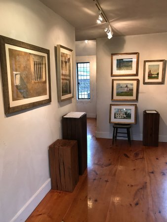Round Pond, ME: Inside the Art Gallery