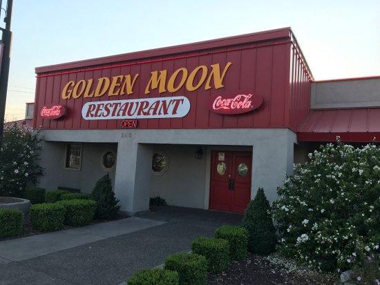 Yakima, WA: Golden Moon