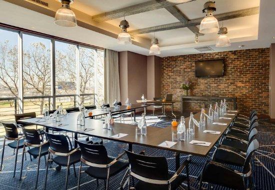 Kempton Park, South Africa: Conference Room – U-Shape Setup