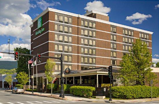 Holiday Inn Berkshires: Hotel Exterior