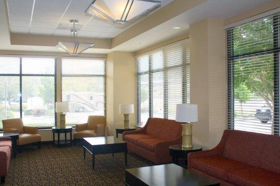 Σαν Ραφαέλ, Καλιφόρνια: Lobby and Guest Check-in