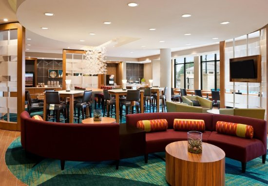 Ridgeland, MS: Lobby & Breakfast Seating