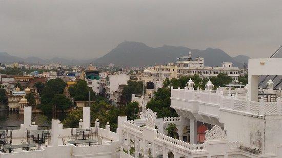 Hotel Ishwar Palace Photo