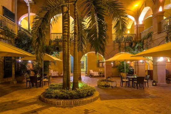 Hotel Charleston Santa Teresa: Colonial Patio