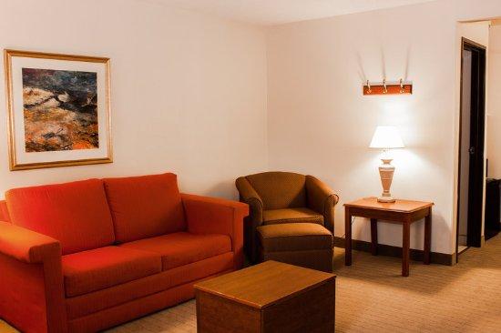 Springdale, OH: Suite