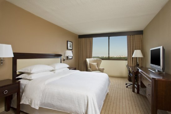 Clayton, MO: King Sweet Sleeper Bed