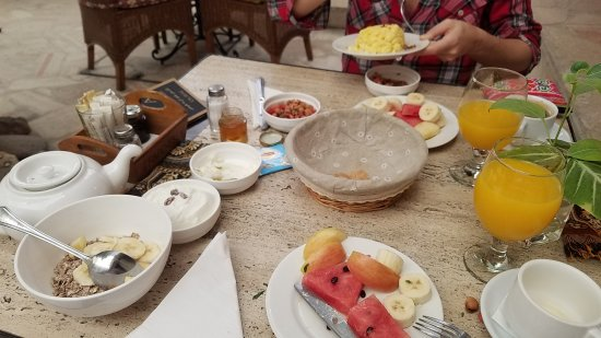 XVA Cafe: Breakfast was well served, and substantial