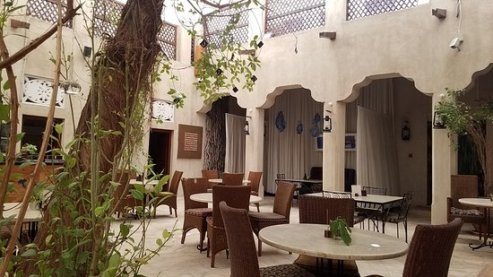 XVA Cafe: The decor and design combined with art enhances the authenticity