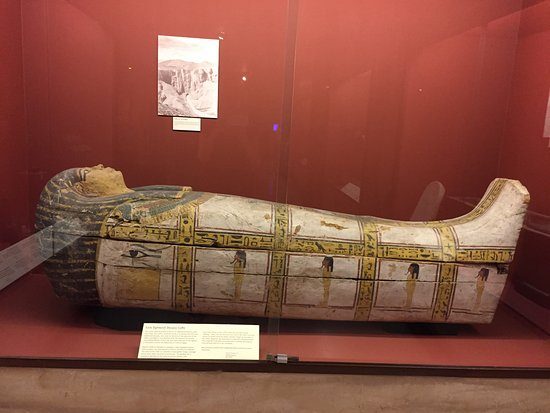 Rosicrucian Egyptian Museum: This is amazing - look close