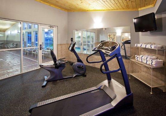 โอเซจ, ไอโอวา: Americ Inn Osage Fitness