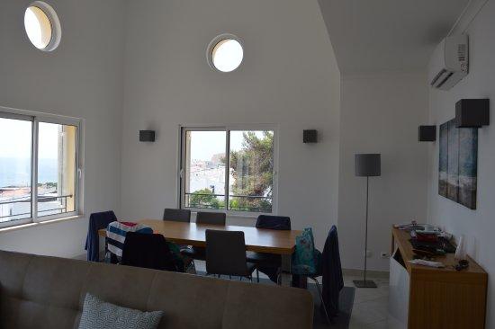 Salema, Portugal: espace salle à manger