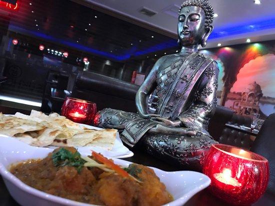 Southall, UK: Sukhdev's Restaurant & Bar