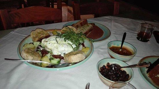 Kaliviani, Greece: Σαλάτα Ερωφίλη