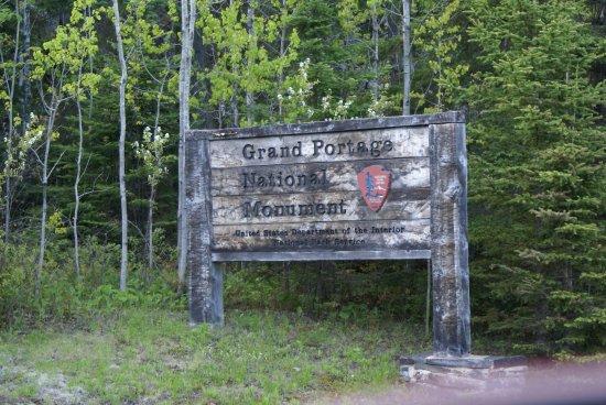 Grand Portage, MN: Schwer geschundes Hinweisschild