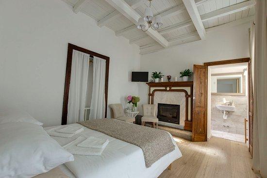 Molina di Faggeto Lario, Italia: Queen Room