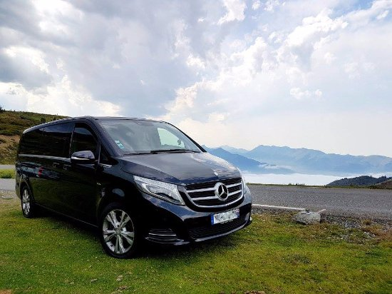 Massy, France: Travel in luxury at affordable rates with Elegant Transfers