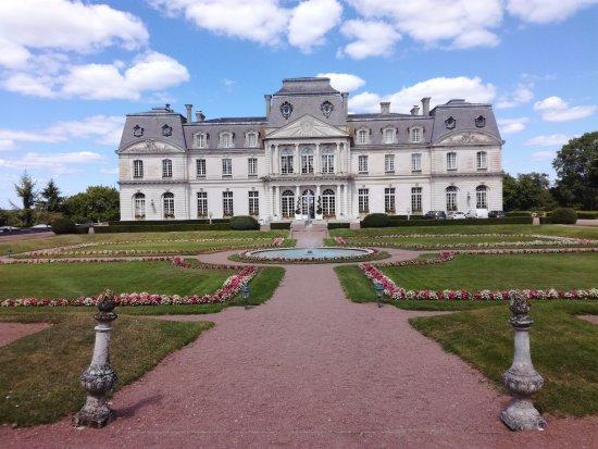 Montbazon, Francia: Chateau d'Artigny coté jardin