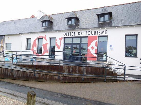 Guilvinec, France: façade côté port