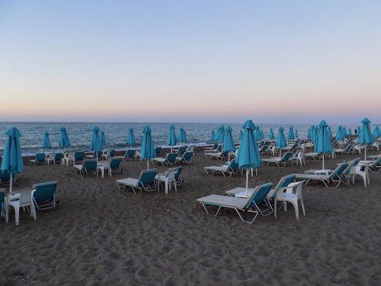 Golden Beach Hotel, Adelianos Kampos