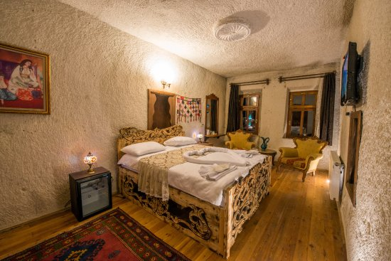 Charming cave hotel updated 2018 room prices boutique for Charming hotels
