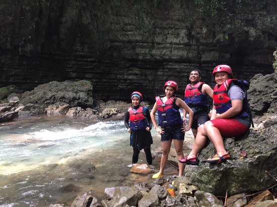 Jawa Barat, Indonesia: at Green Canyon with friends