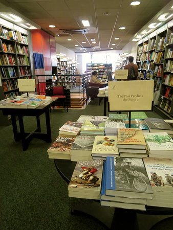 Hodges Figgis Bookshop - Alert! You will spend hours in there without noticing