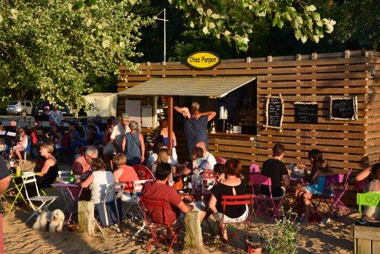 Sanguinet, France: Snack fête de la musique
