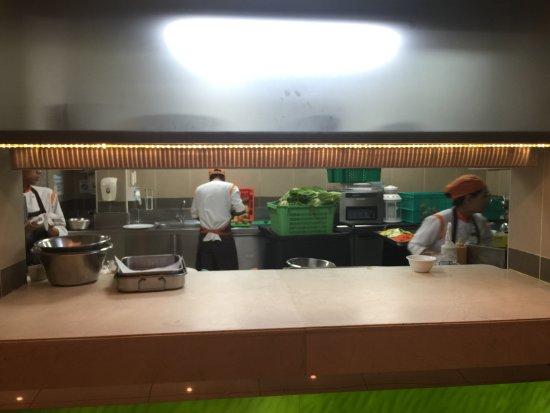Shangri-La Hotel, Qaryat Al Beri, Abu Dhabi: the kitchen