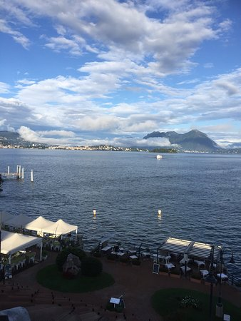 Hotel Eden : Vista mozzafiato sul Lago Maggiore da camera all'ultimo piano