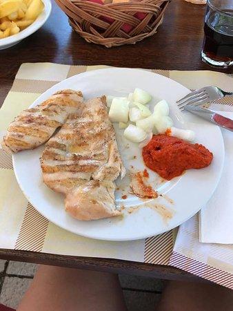 Njivice, Croacia: pollo alla griglia