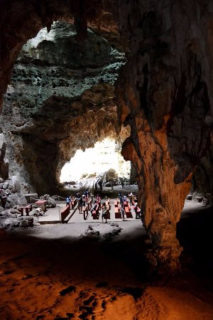 ลูซอน, ฟิลิปปินส์: Natural cathedral inside one of the chambers of Callao caves