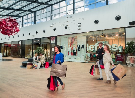 Interior las rozas the style outlets picture of las - The first outlet las rozas ...