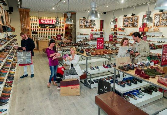 Interior tienda la rozas the style outlets picture of las rozas the style outlets las rozas - The first outlet las rozas ...