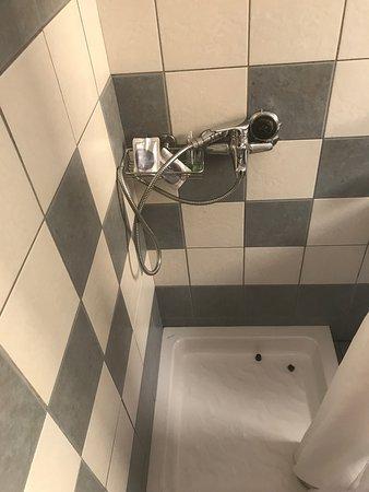 Porto Kalamaki Hotel Apartments: Terrasse pas agréable, chambre exiguë, douche trop petite...